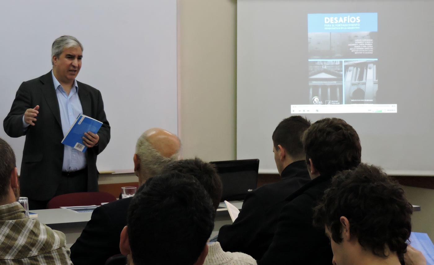 Presentación en Rosario del libro Desafíos para el fortalecimiento democrático en la Argentina