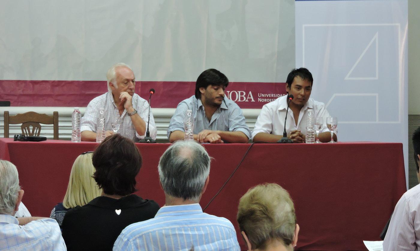 Gabriel Salvia presentó en Junín libro sobre fortalecimiento democrático
