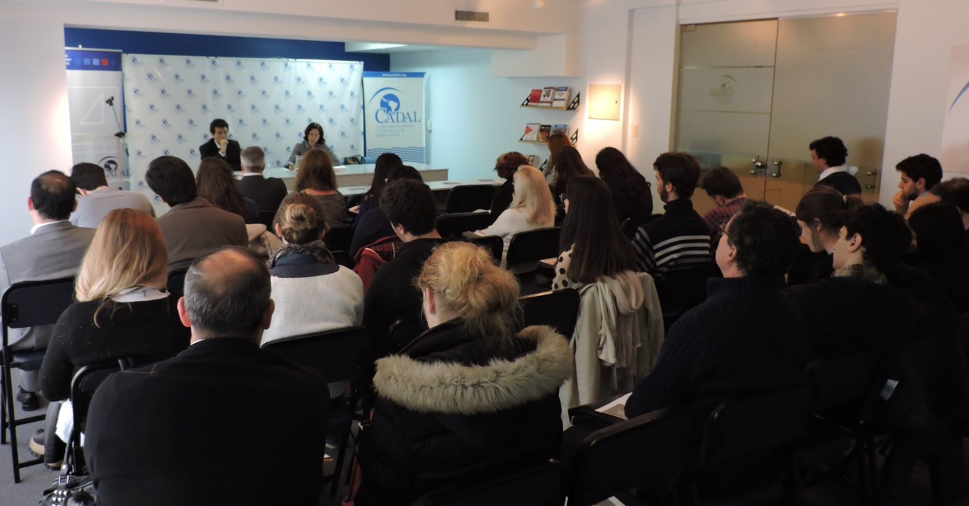 Comenz seminario sobre argentina en la pol tica internacional for La politica internacional