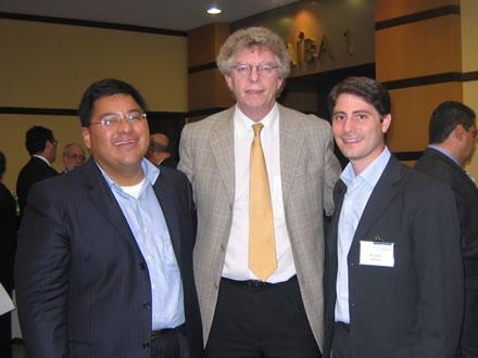 Victor Hugo Becerra, Harald Klein y Hernán Alberro durante el Congreso de RELIAL.