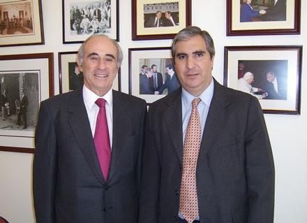 Sergio Bitar y Gabriel C. Salvia en la sede del Partido Por la Democracia (PPD), en Santiago de Chile.