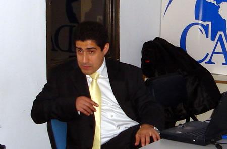 Patricio Navia, durante un seminario en la sede de CADAL
