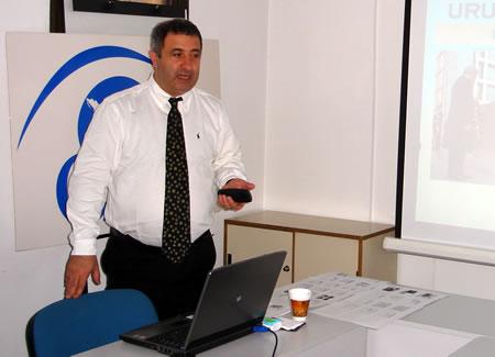 Nelson Fernandez, en la sede de CADAL en Buenos Aires