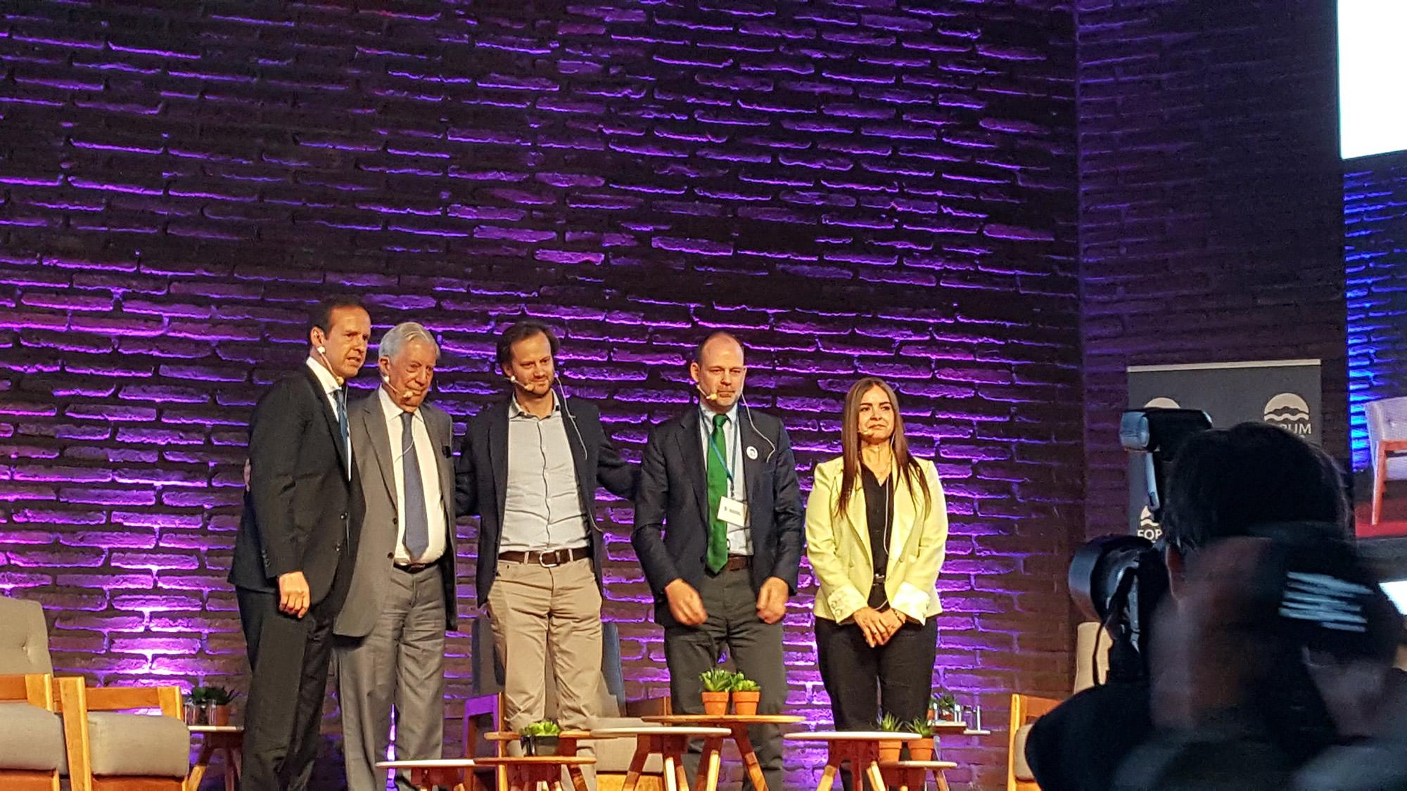 Participación en la Conferencia Socialismo, populismo y democracia en América Latina