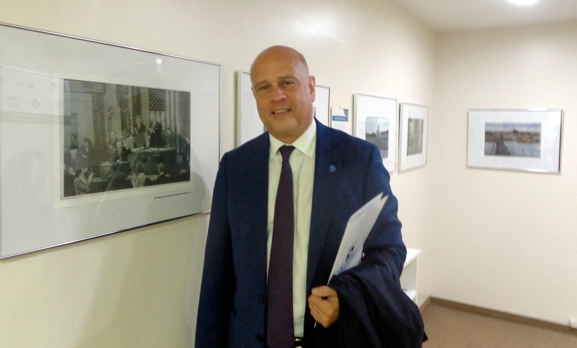 Thomas Garrett en la sede de CADAL