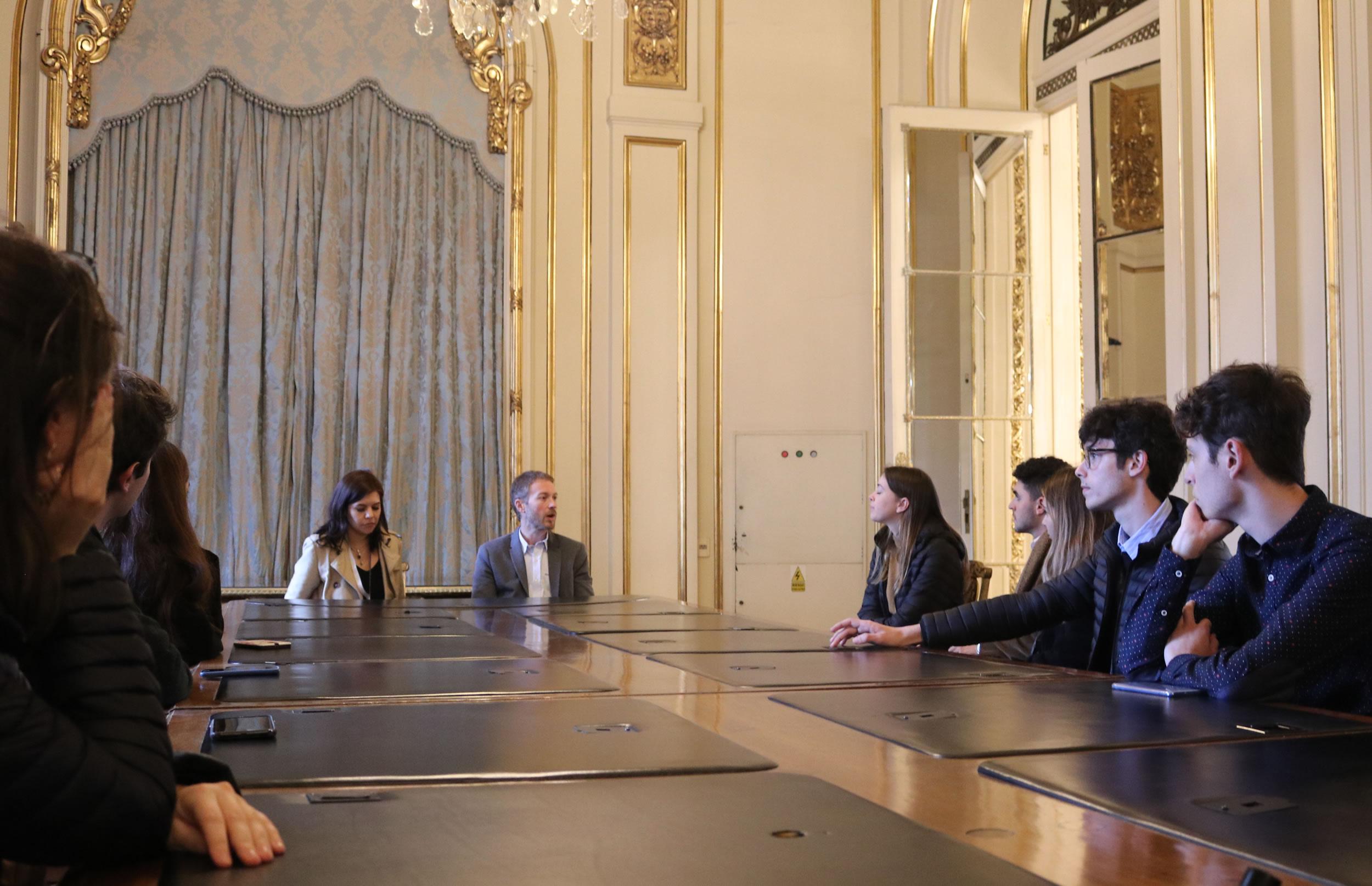 Grupo Joven visitó la Casa Rosada