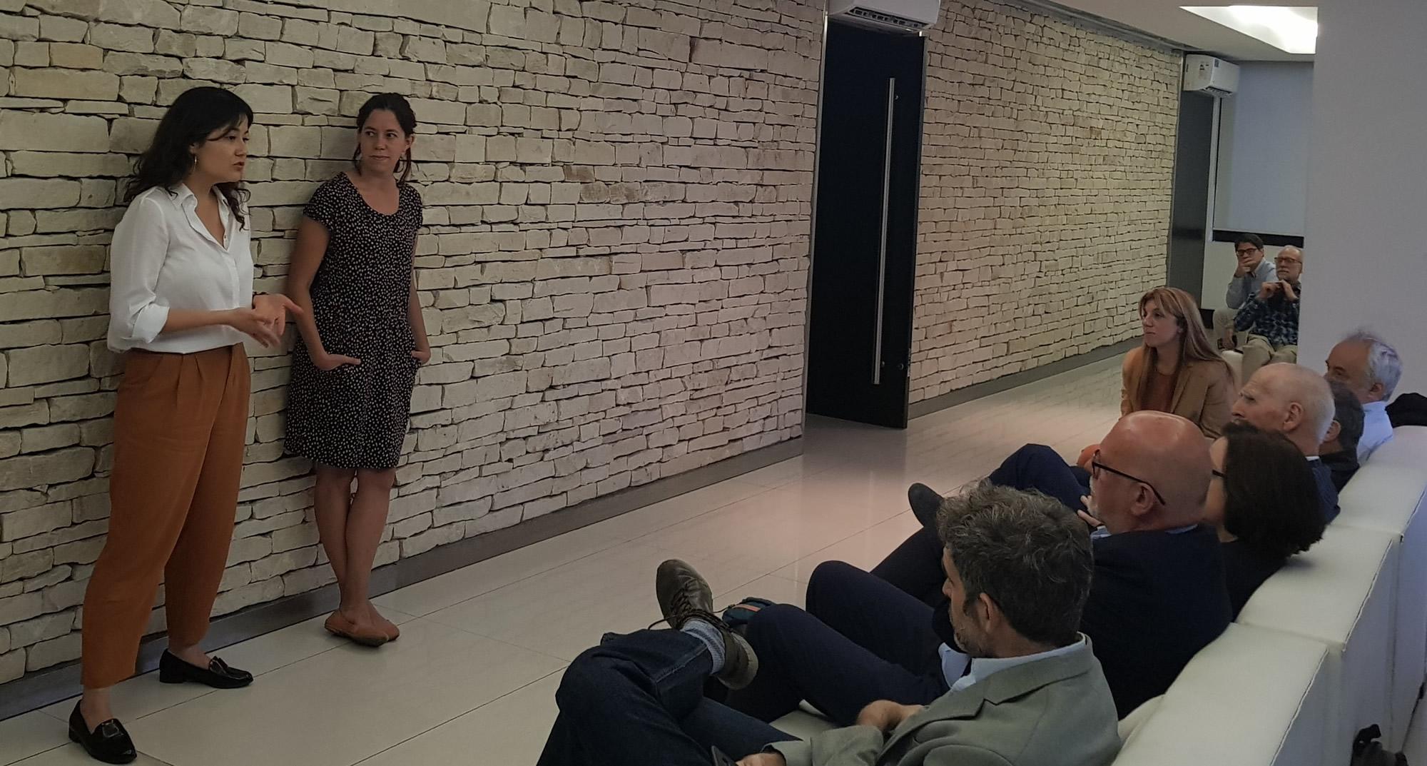 Diana Arévalo, Coordinadora de Proyectos, y Cecilia Noce, Consejera Académica