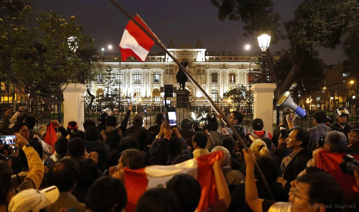 ¿Tiene cura la política peruana?