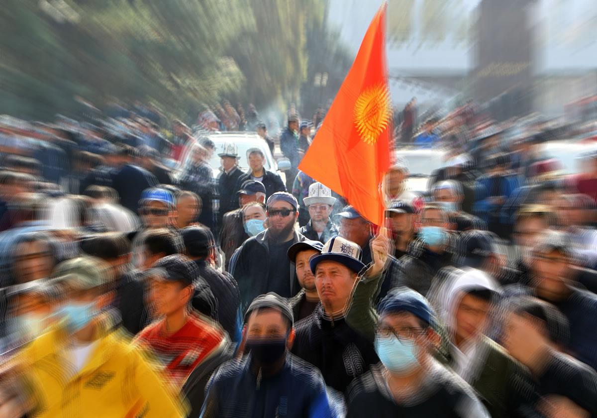 Kirguistán: cómo romper la democracia en seis meses