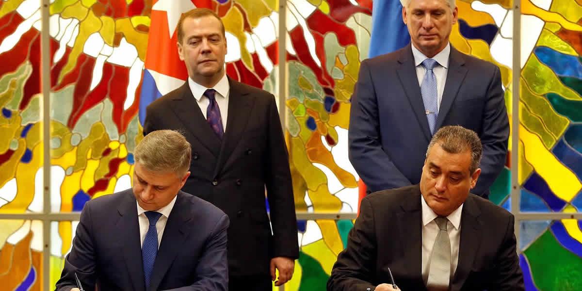 Dimitri Medvedev Miguel Diaz-Canel sellando alianzas.
