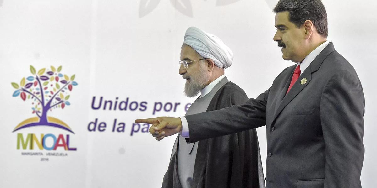 Hasan Rohani y Nicolás Maduro en la Cumbre de los países no alineados en Caracas, Venezuela, 2019