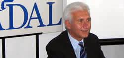 Nestor Scibona en la sede de CADAL