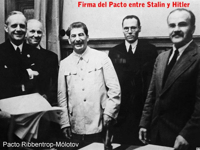 Stalin, von Ribbentrop y Molotov firman pacto el 23 de Agosto de 1939