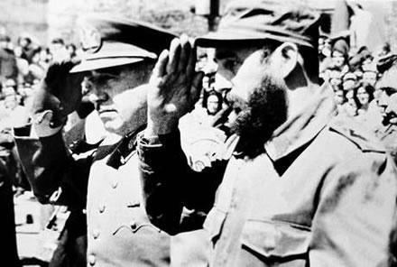 Pinochet y Castro durante un viaje del último a Chile