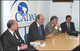 Gabriel Llano (Diputado Nacional), Orlando Gutiérrez, Federico Pinedo (Diputado Nacional), Guillermo Cantini (Diputado Nacional) durante la reunión organizada en la sede de CADAL, Buenos Aires