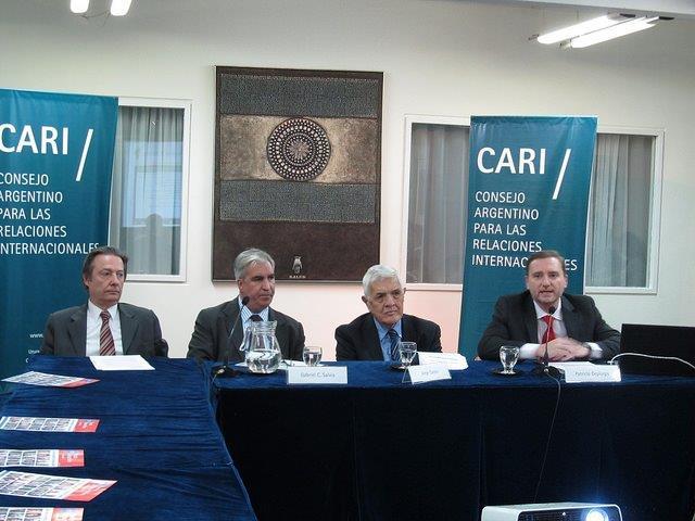 Debate latinoamericano sobre Cuba y Estados Unidos en el CARI