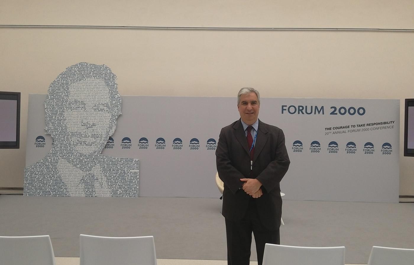 Gabriel Salvia participó en el 20° Forum 2000 en Praga