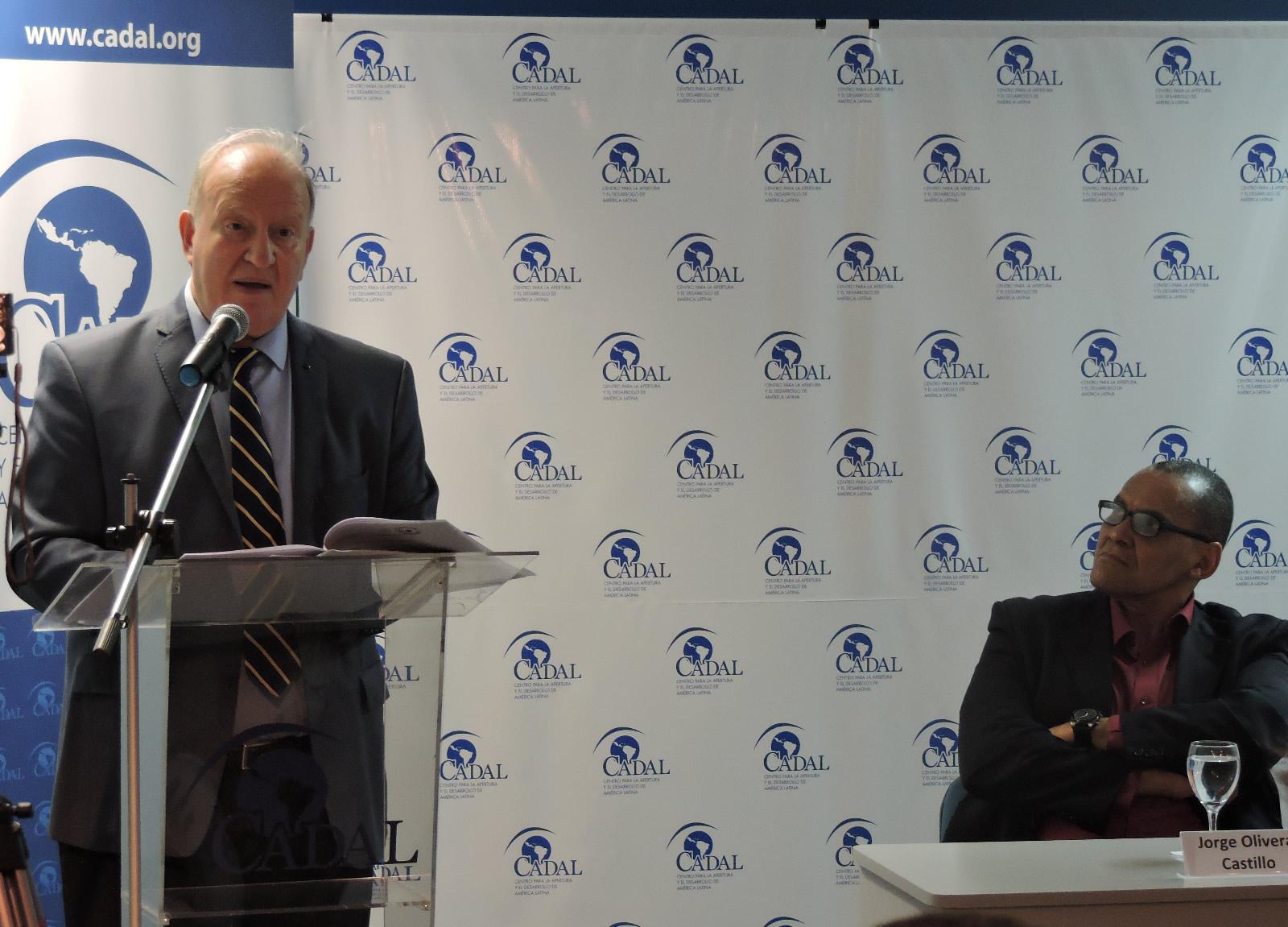 Daniel Sabsay en la sede de CADAL - Aniversario de la Primavera Negra de Cuba