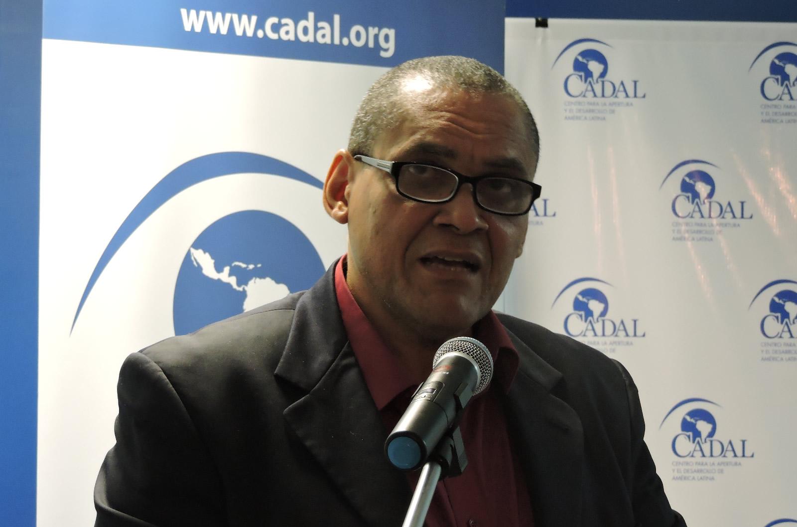 Jorge Olivera Castillo en la sede de CADAL - Aniversario de la Primavera Negra de Cuba