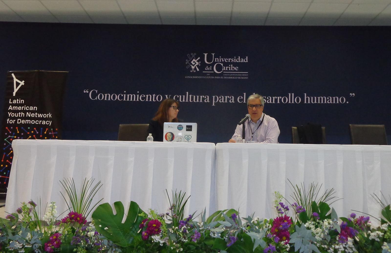 Gabriel Salvia y Micaela Hierro en un panel sobre Derechos Humanos en América Latina.