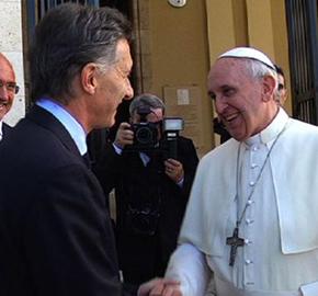 Buena semana de Macri: desactiv� el paro y al Papa